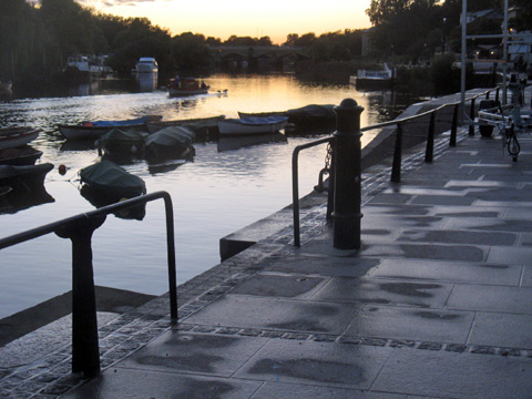 Annual Awards 2015: Richmond Riverside - new paving with improved lighting and seating